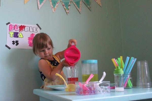 Making Pretend Bubble Tea | Mama Papa Bubba